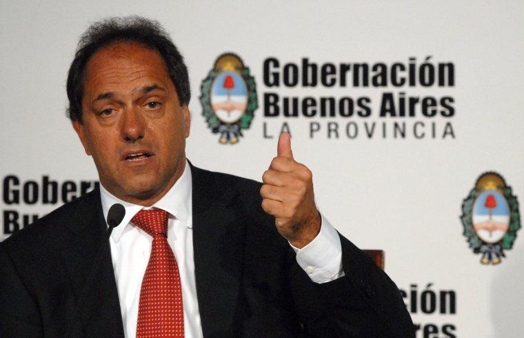 Scioli le recuerda a Massa que Cristina ya negó su re-reelección