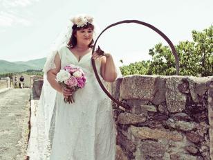 Mujer se casó con un puente
