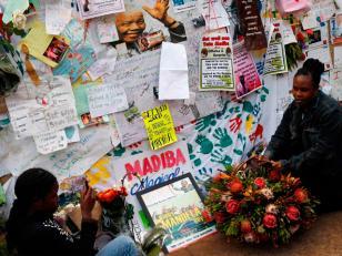 """Mandela está """"consciente"""", según el rey de los Thembus"""