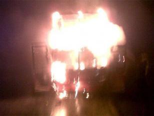 Incendio de un micro de pasajeros en la autopista Córdoba-Rosario