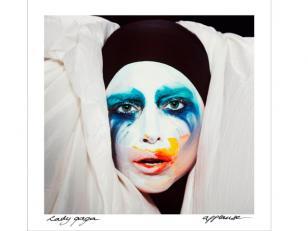 """Lady Gaga mostró """"Applause"""" su nuevo single donde emula a Madonna"""