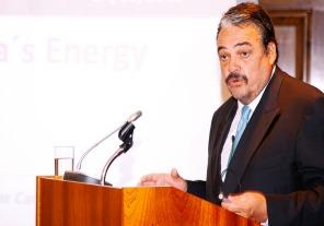 """Cameron: """"Siguen promoviendo la dolarización de la energía cuando la realidad les demostró que estaban equivocados"""""""