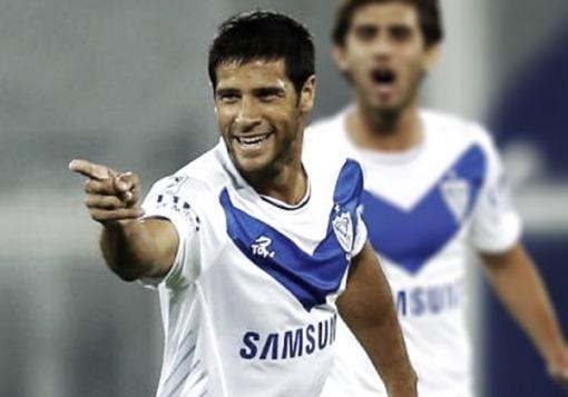 Vélez negó que Domínguez vaya a ser transferido a Boca