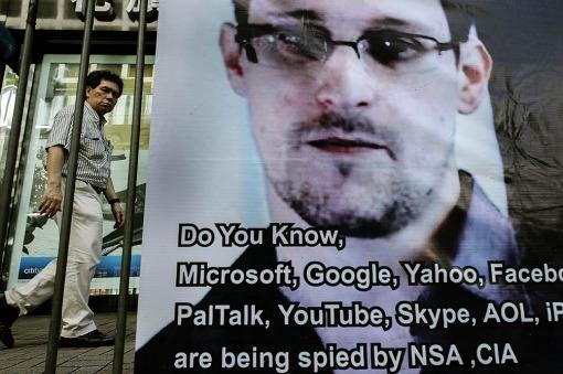 Snowden pidió asilo en Rusia hasta que pueda volar a América Latina