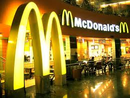 McDonald's abre su primer local en Vietnam