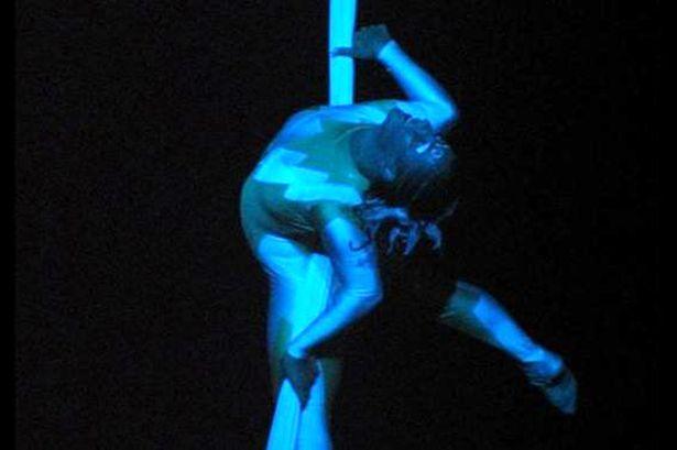 Video: Acróbata de Cirque du Soleil muere en pleno show