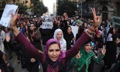 Egipto: Aconsejan a las manifestantes usar agujas para defenderse del acoso