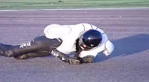 Crean traje para motociclistas con airbags