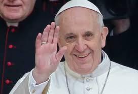 El papa Francisco pide recuperar la fe en su primera encíclica