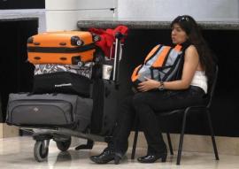 Pasajera se queda a vivir en el aeropuerto de Cancún