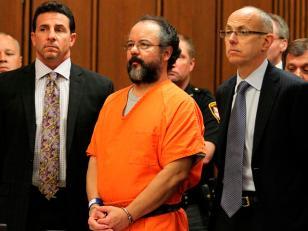 1.000 años de prisión al violador de Cleveland