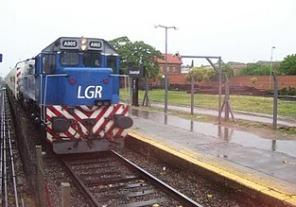 Asignan a 2 empresas estatales los servicios de tres líneas ferroviarias