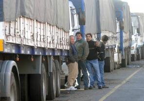 Restringen la circulación de camiones por fin de semana largo