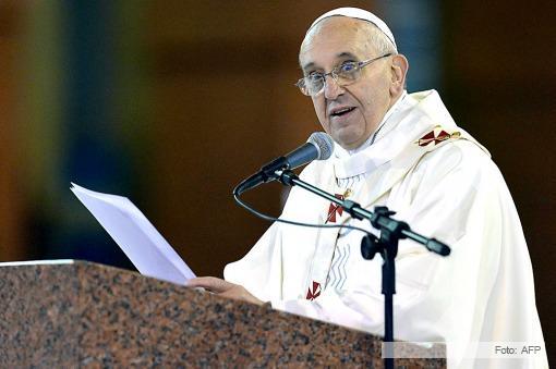 """El papa Francisco instó a los jóvenes a combatir """"el veneno del vacío"""" que conlleva el consumismo"""