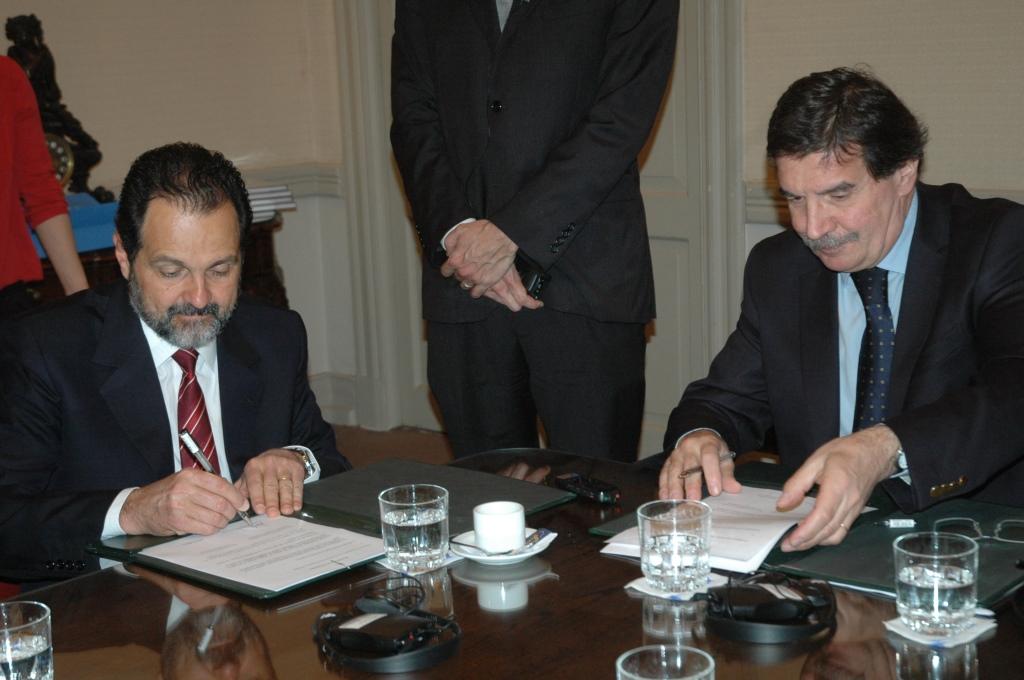 Sileoni se reunió con el Gobernador del Distrito Federal de Brasil