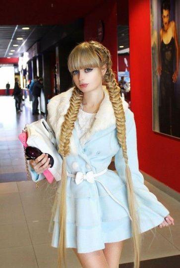 """La nueva """"Barbie rusa"""": """"A veces pretendo y finjo ser estúpida"""""""
