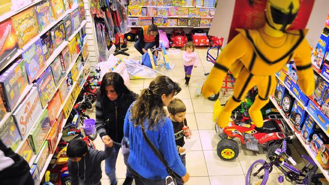 Día del Niño: Los juguetes en Argentina cuestan hasta cinco veces más que en otros países
