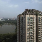 Construye impresionante mansión en la terraza de un rascacielo