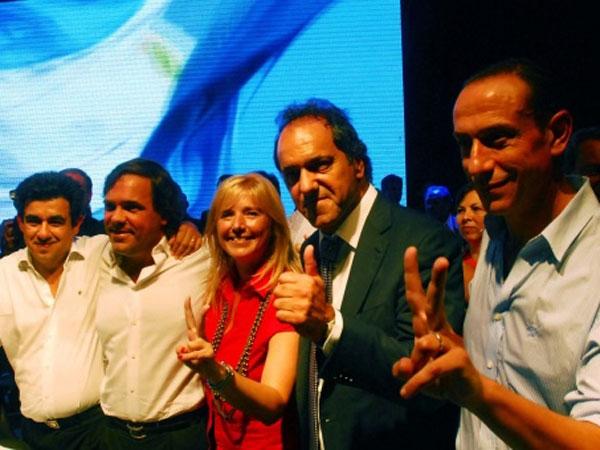Ahora Scioli quiere definir al candidato peronista de 2015 con internas