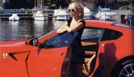 Le robaron la Ferrari a Wanda Nara