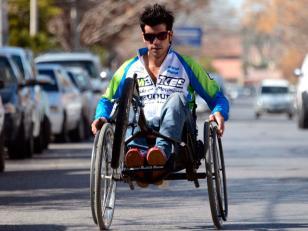 Desde Neuquén a Buenos Aires en silla de ruedas