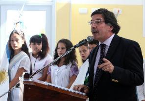 Obras y entrega recursos didácticos para escuelas bonaerenses