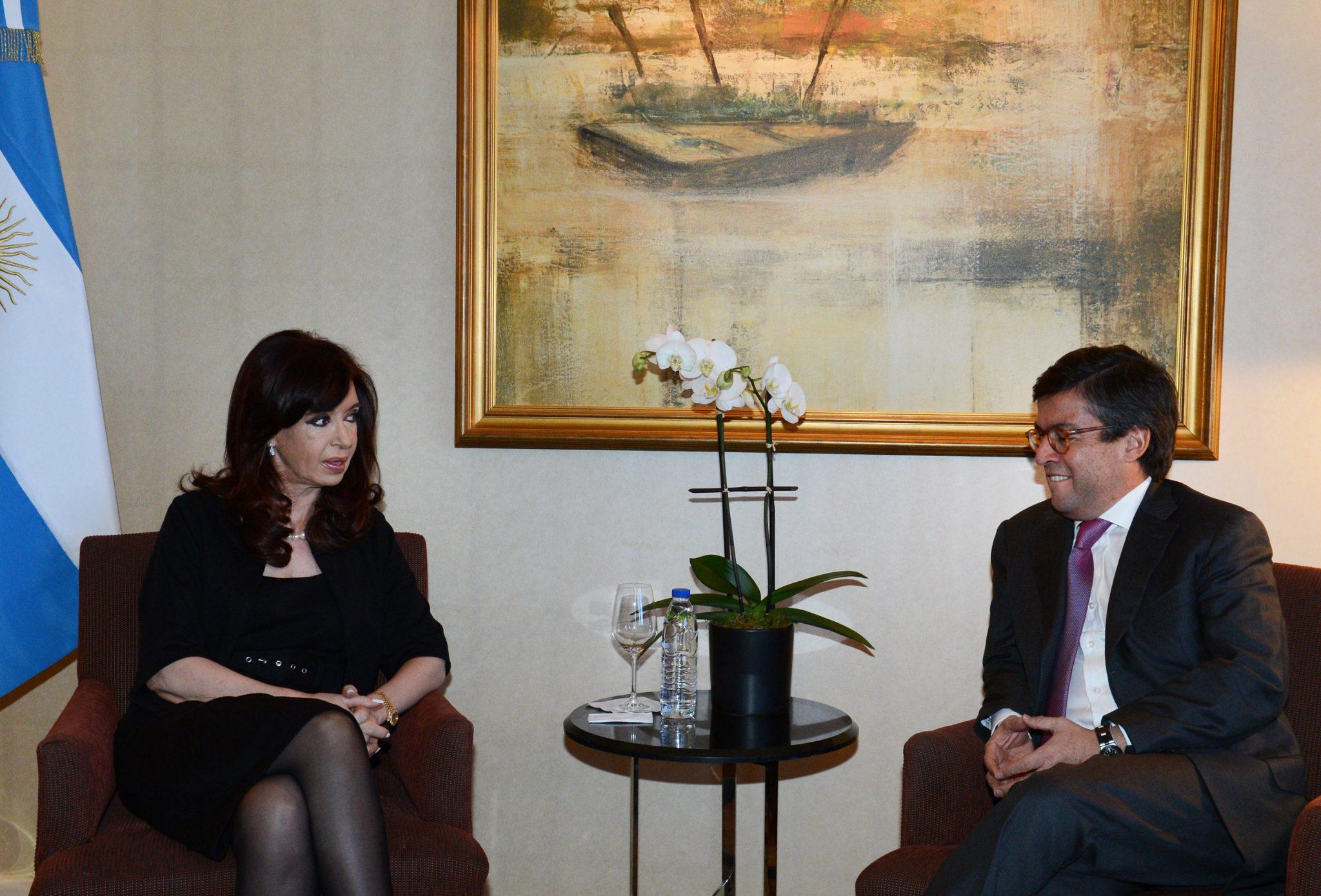 Cristina Kirchner con el titular del Banco Interamericano de Desarrollo