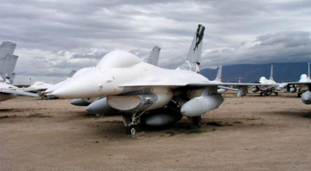 QF-16: USA transforma sus aviones cazas en drones