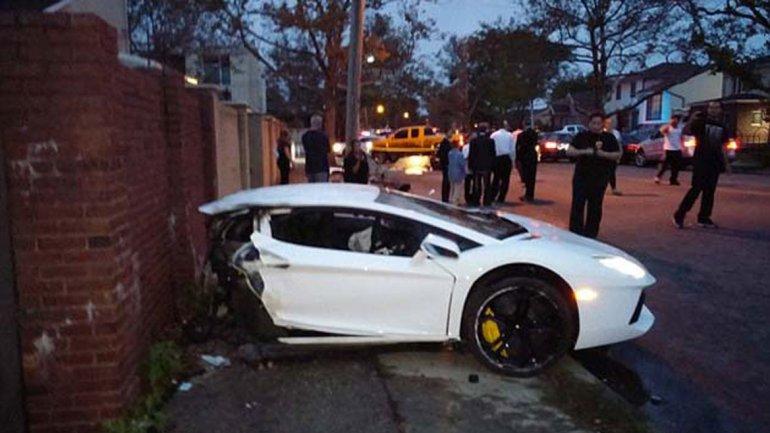 Video: Lamborghini se parte en dos tras brutal choque