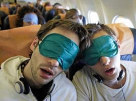Secretos para dormir en el avión