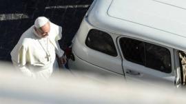 El Renault 4 del Papa Francisco tiene 300 mil kilómetros