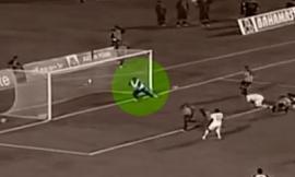 Masajista salvó el gol contra su equipo y casi lo linchan