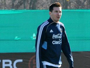 Messi lamenta no poder estar en la selección