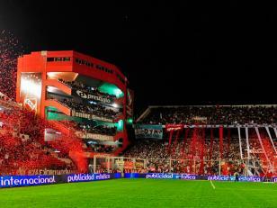 La FIFA pide que Independiente sea sancionado por deuda