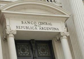Los créditos y depósitos del sector privado continuaron expandiéndose en agosto
