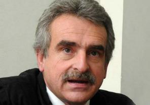 Rossi defendió a los aviones navales utilizados en la frontera norte