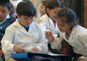Contrato con el BID para la mejora educativa