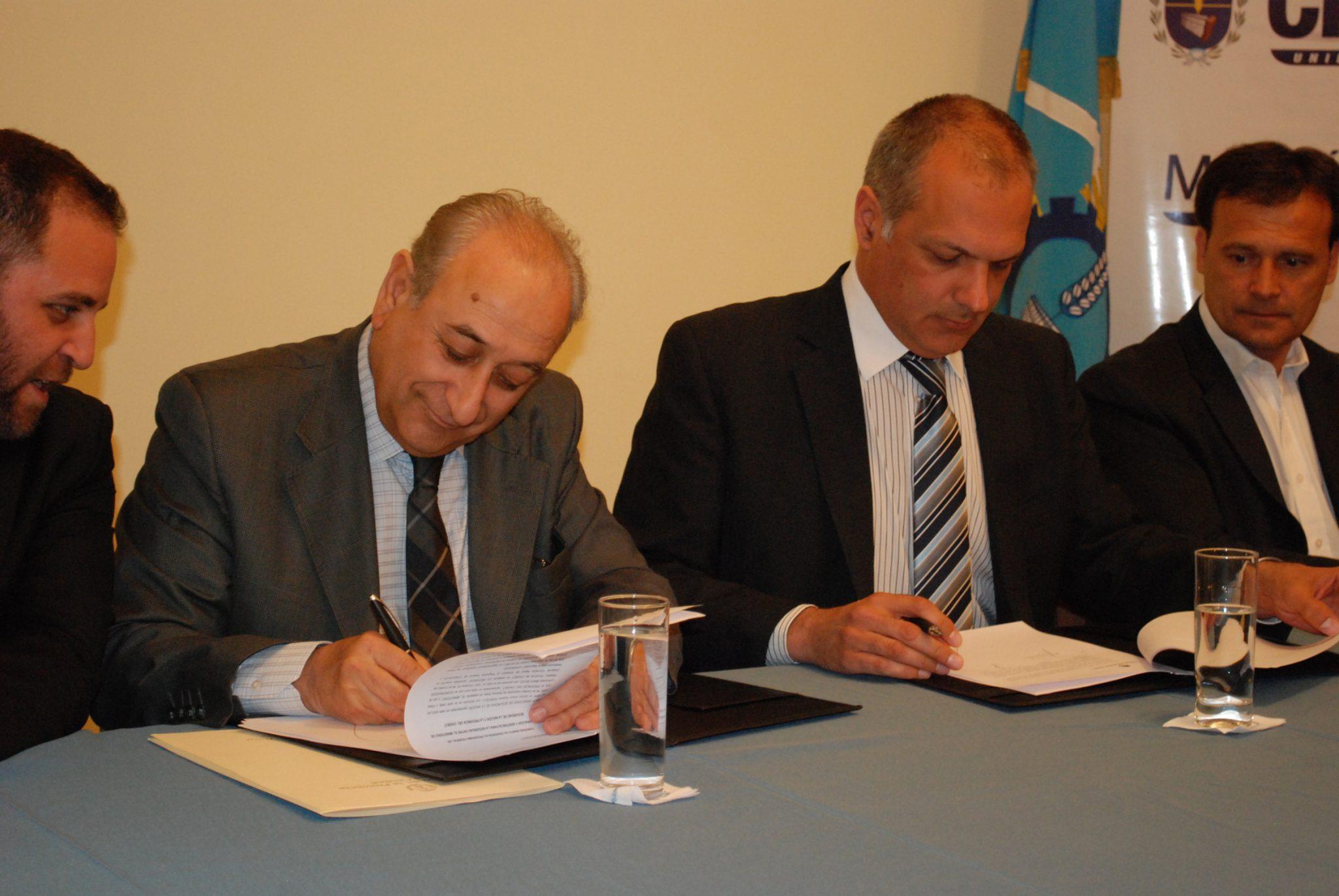 Puricelli y Buzzi firmaron la adhesión de Chubut al programa federal de seguridad