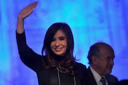 """Cristina: """"No quiero más un país cangrejo"""" sino que """"vayamos siempre para adelante"""""""