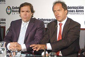 """Scioli fue """"presionado"""" por """"varios grupos de poder"""" para que abandone al kirchnerismo y se sume al massismo"""