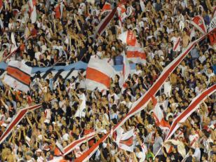 3 hinchas de River Plate fueron apuñalados