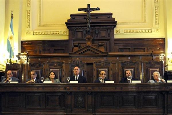 La Corte rechaza cualquier intento del Gobierno de quedarse con sus fondos