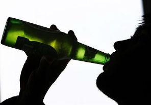 El alcohól y el intento de suicidio en jóvenes