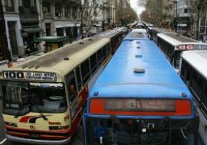 Fijan compensación para usuarios del transporte automotor de jurisdicción nacional