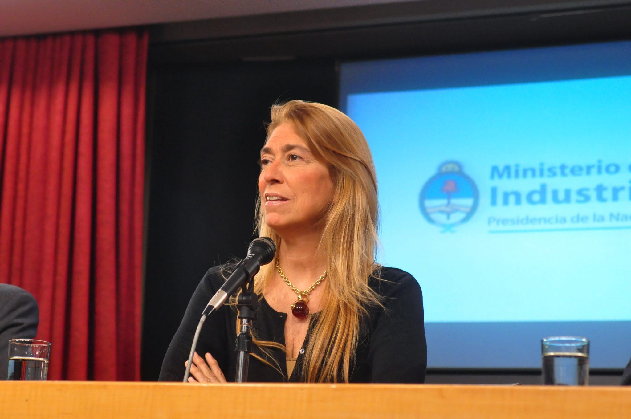 Débora Giorgi reunió a las principales petroleras para desarrollar proveedores locales para el sector