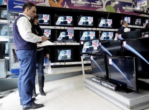Ampliarían hasta 18 y 24 cuotas sin interés el pago para comprar electrodomésticos