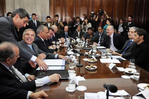 Acuerdo entre provincias y Nación por la soberanía hidrocarburífera