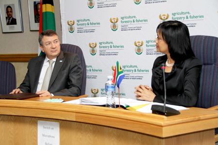 Argentina y Sudáfrica firman un convenio de cooperación agrícola