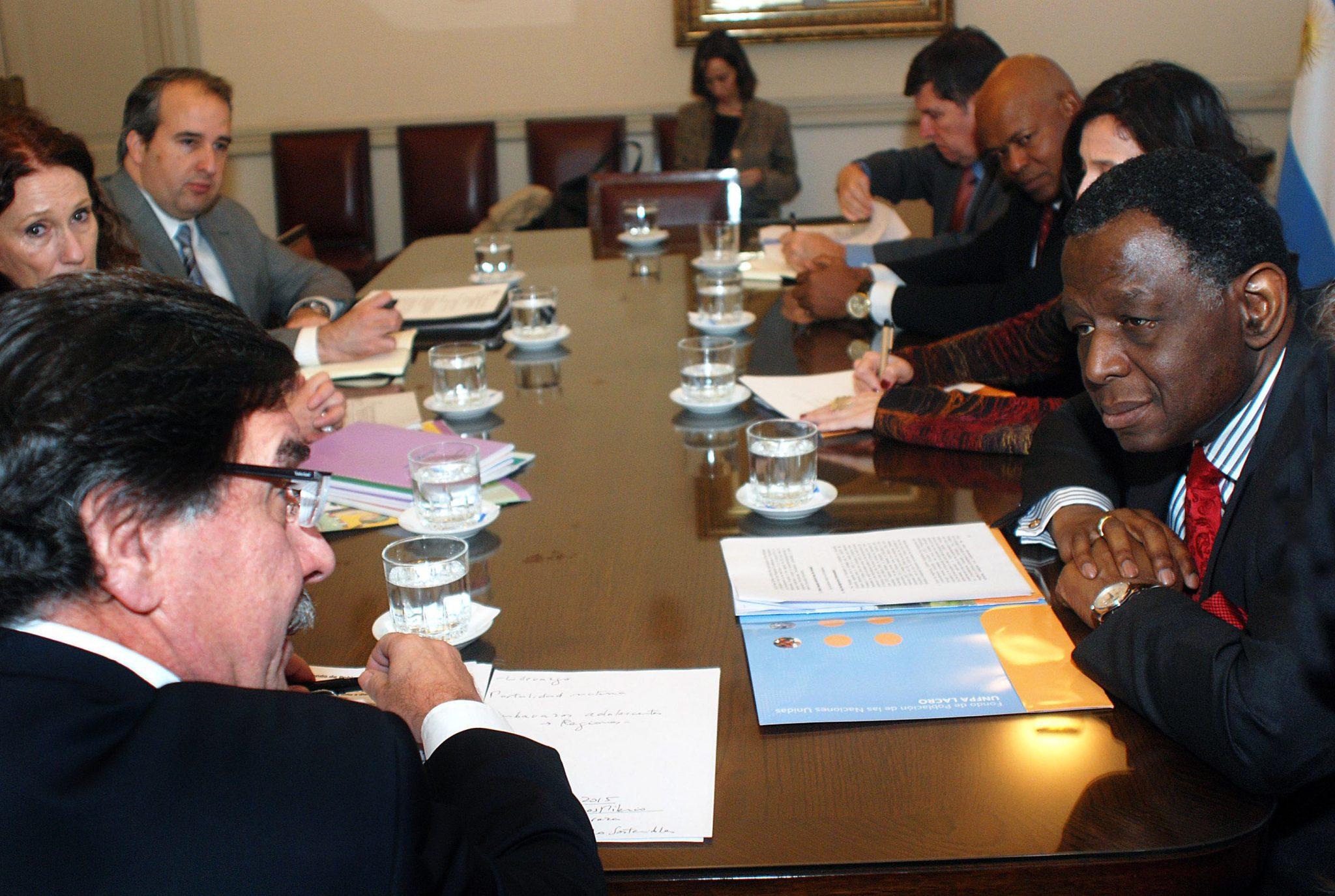 Sileoni recibió a representante del Fondo de Población de las Naciones Unidas