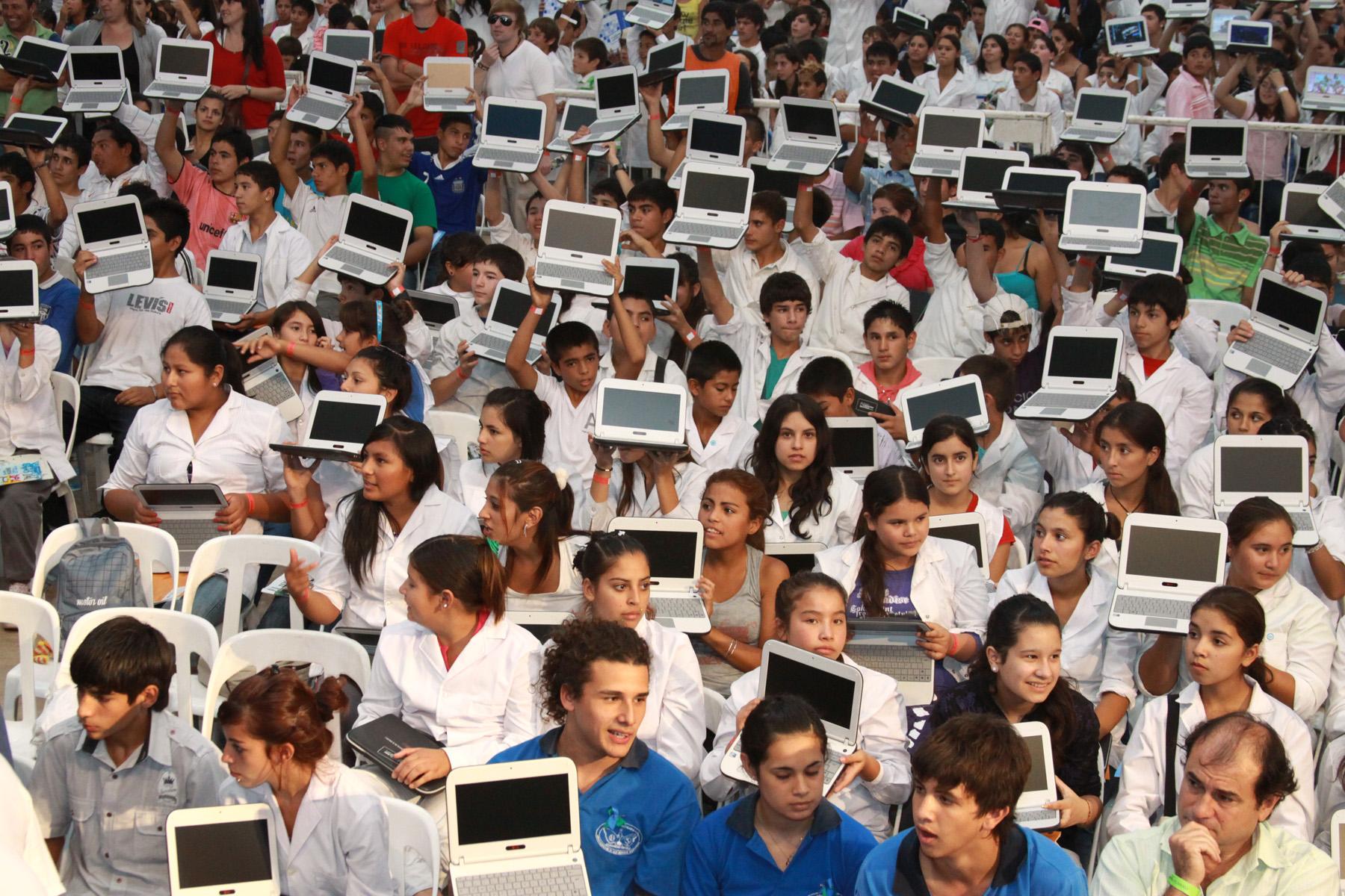 Presentan el sistema operativo libre de Conectar Igualdad para escuelas